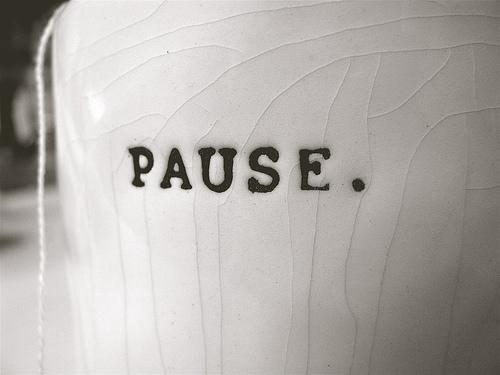 pause-1